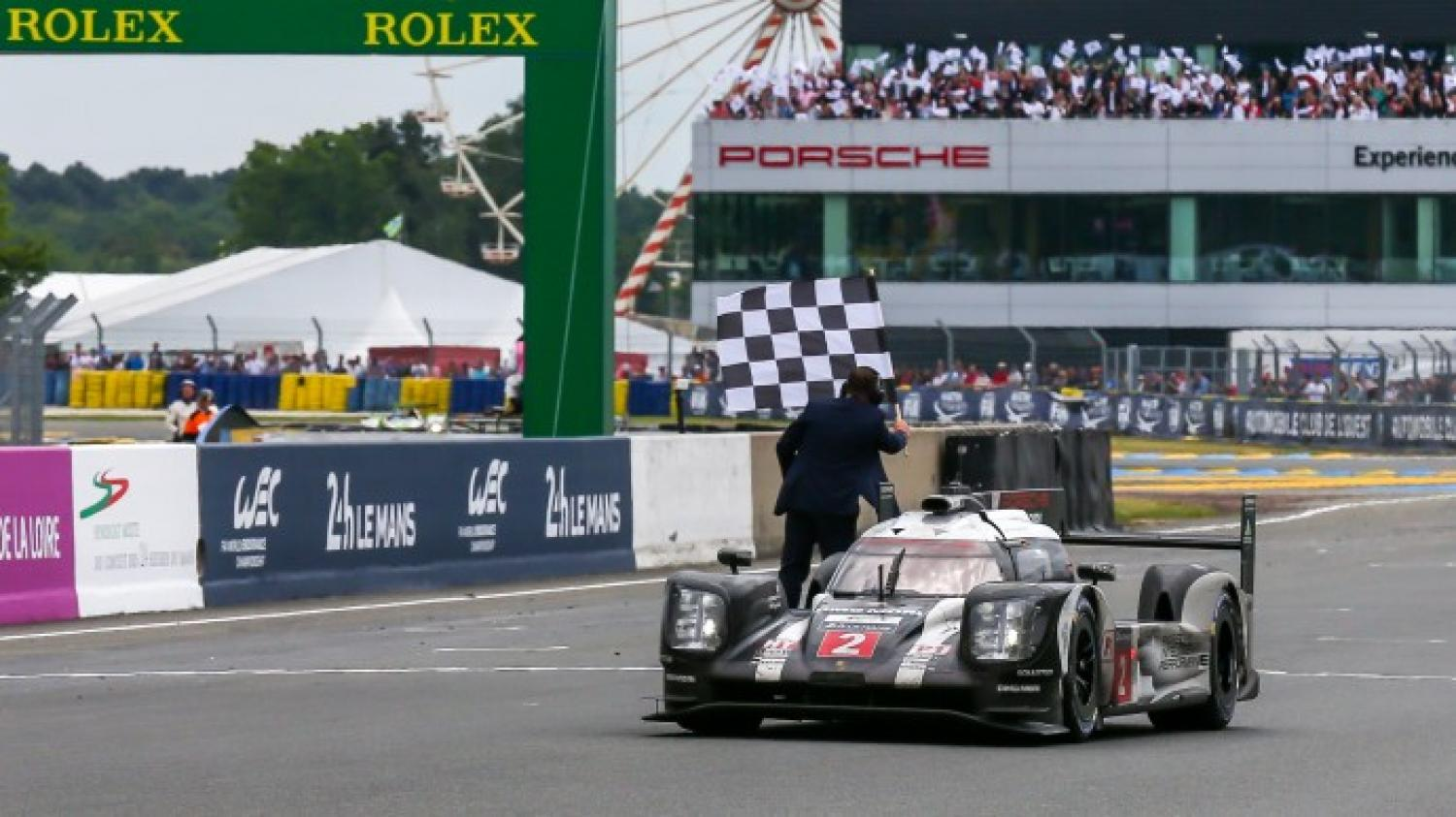 Porsche clinches a last minute victory in the 24 Hours of Le Mans!