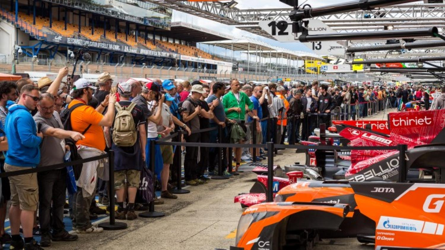 The pitlane is crowded today!
