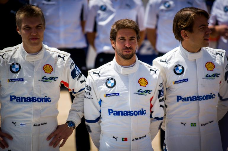The BMW drivers deciding on their strategy