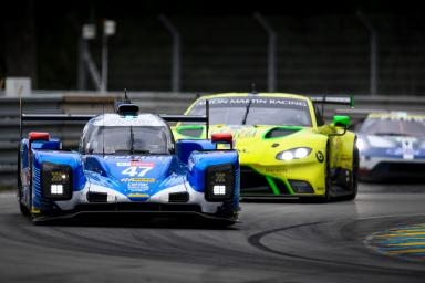 How can fans recognise the different cars in the 24 Hours of Le Mans from trackside?