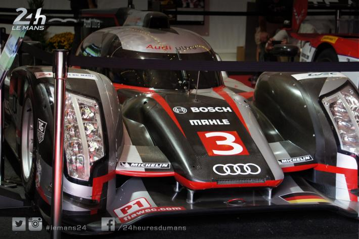 une audi et une bmw des 24 heures du mans expos es petit le mans a. Black Bedroom Furniture Sets. Home Design Ideas