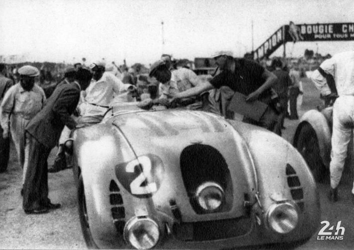Bugatti at the 24 Hours of Le Mans (1) – Three drivers for two wins